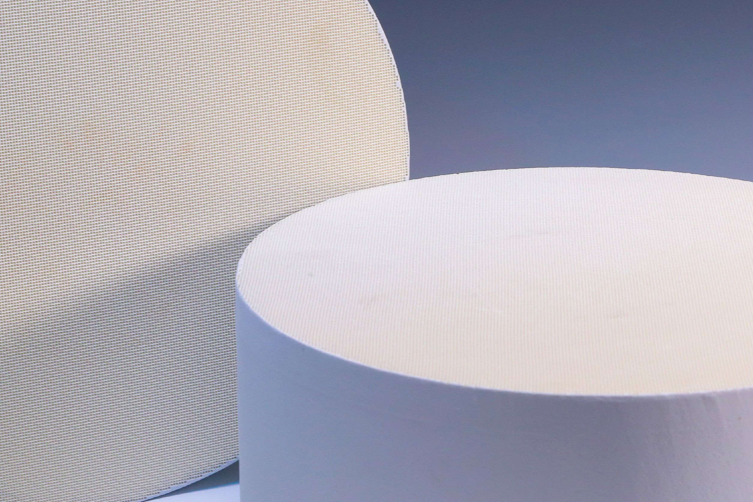 Industrial SCR Honeycomb Ceramic Filter Round And White